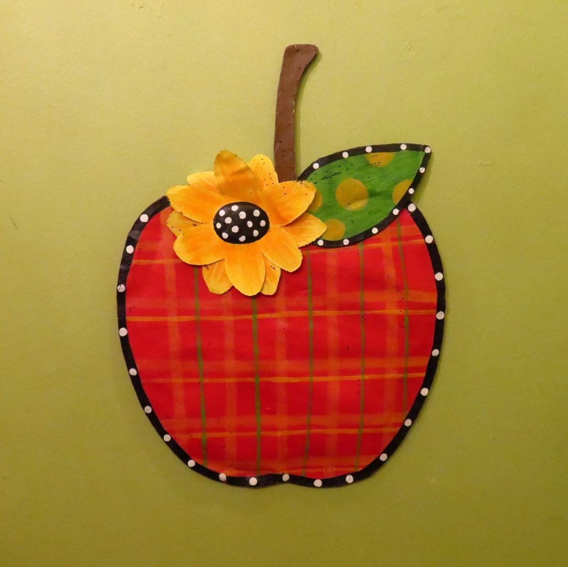 plaid apple