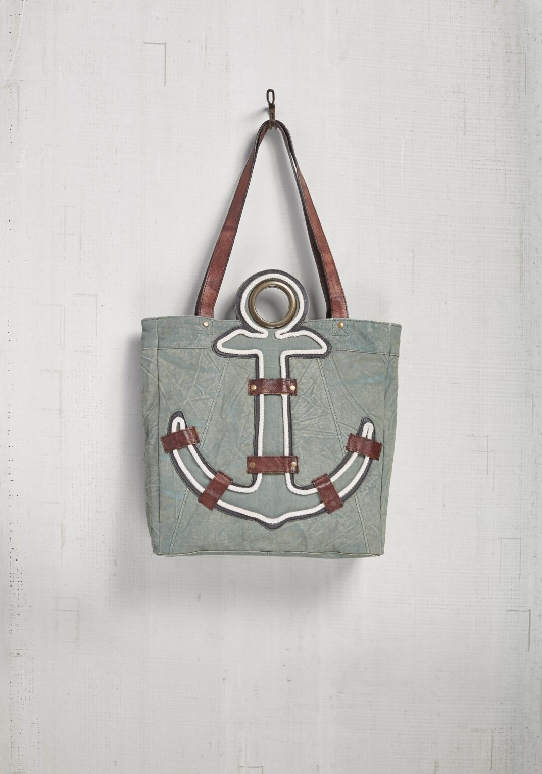 anchored tote